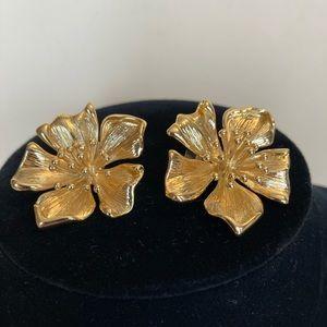 18kt gold vermeil flower earrings